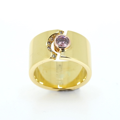 Pink-Diamond-wide-ring
